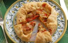 Torta salata con peperoni e zucchine
