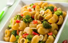 Pasta con broccoli e peperoncino