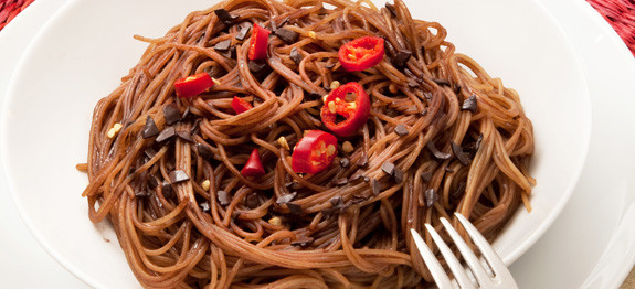 Spaghetti con cioccolato e peperoncino