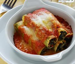 Cannelloni con mandorle e spinaci