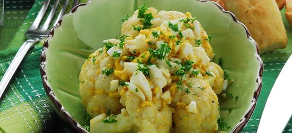 Cavolfiore e uova sode con prezzemolo